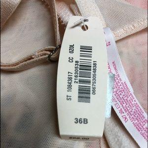 Victoria's Secret Intimates & Sleepwear - 🔥HOT!🔥 NWT VICTORIA'S SECRET VINTAGE GARTER SLIP